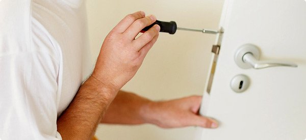 homeguides-articles-thumbs-door_repair_guide.jpg.600x275_q85_crop